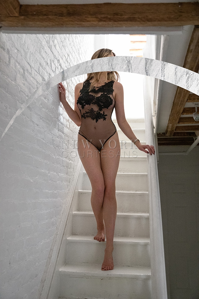 Tall escort NYC Liv Klein