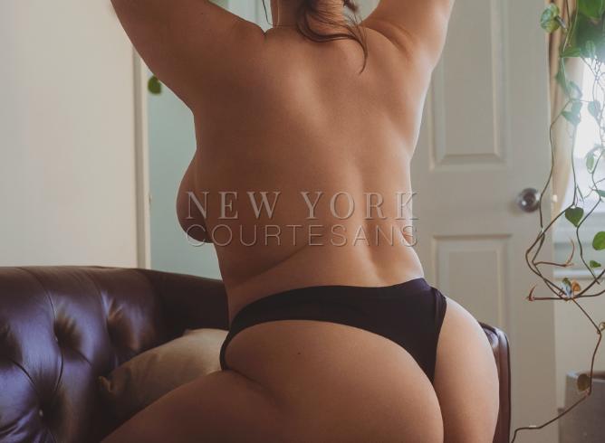 Naturally busty escort NYC Mia Luca